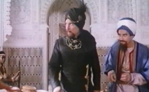 La partie arabe de pacotille est étrangement mieux faite que la partie Paris de pacotille.