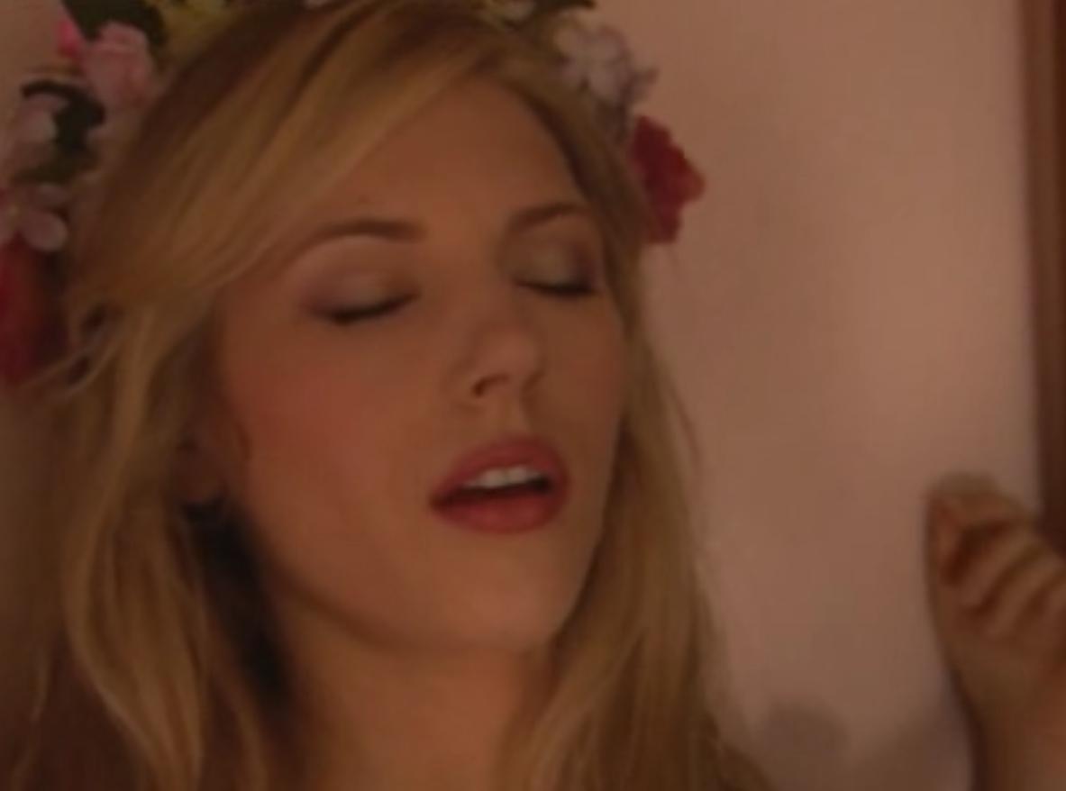 Ces fentes lesbiennes apprcient le sexe oral travers