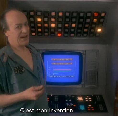 J'aime bien cette quote des Simpsons : dans le futur, les ordinateurs seront au moins deux fois plus puissants et au moins quatre fois plus gros !